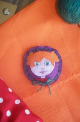 broche, medaillon, fillette, rousse